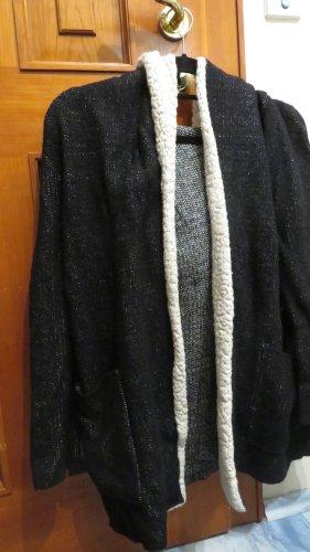 sehr sehr warmer Cardigan mit Kapuze von Zara