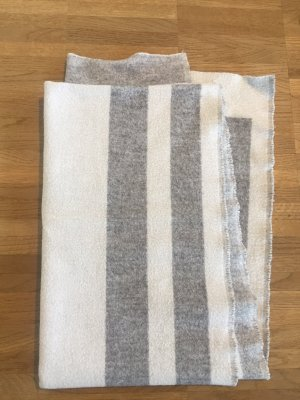 Reserved Knitted Scarf light grey