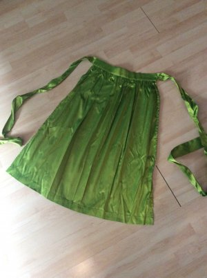 Traditional Apron meadow green-grass green