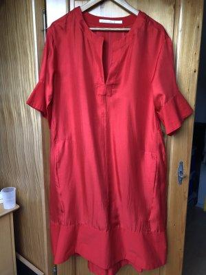 """Seiden-Sommerkleid für """"Lady in Red"""" von Dorothee Schumacher"""