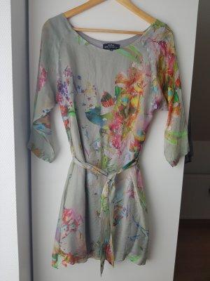 Seidenklei, Kleid mit floralem Muster