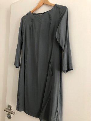 Seidenkleid, Farbe Graublau, Größe 36