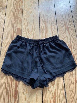 Seidenoptik Shorts mit Spitzendetails