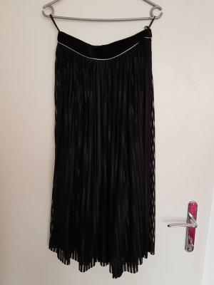 Falda de seda negro