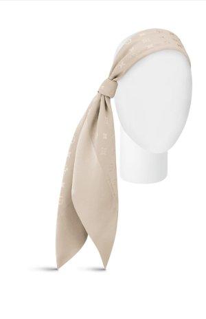 Louis Vuitton Pañoleta crema-beige claro Seda