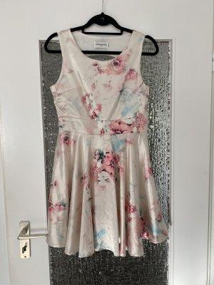 seidig glänzendes floral gemustertes a-linie kleid