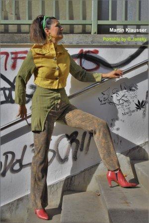 """Selbstgemachte Kleidung """"Lindgren"""", Kunst statt Mode, Größe 36/38"""