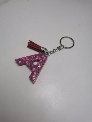 selbstgemachter Schlüsselanhänger aus Kunstharz