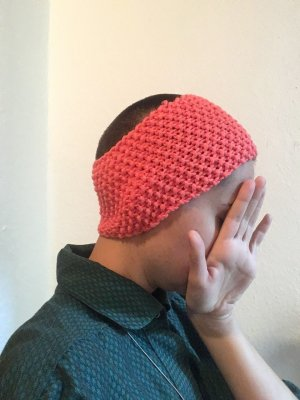 Selbstgestricktes Stirnband