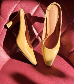Klapki na obcasie żółty-złotopomarańczowy