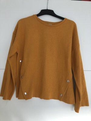Senfgelber langärmeliger Pullover
