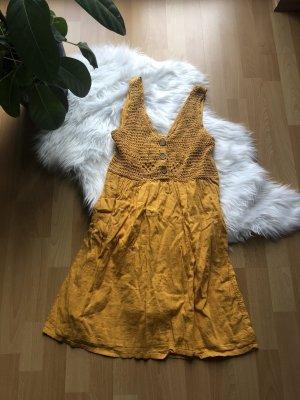 Senfgelbes Sommerkleid von Pimkie