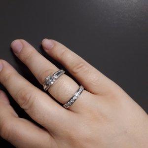 Pierścionek dla par biały-srebrny