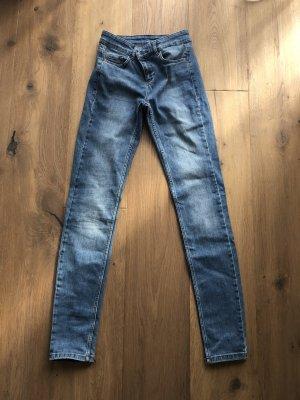 SET Jeans 34
