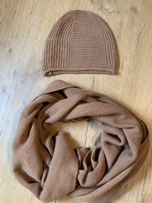 Benetton Knitted Hat camel
