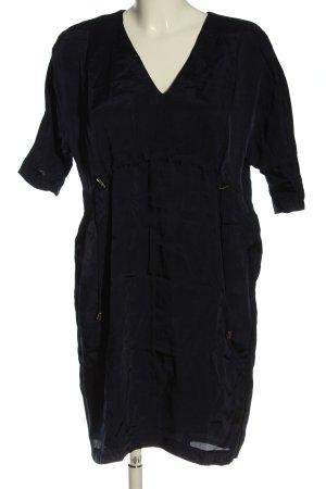 Seventy Mini vestido negro look casual