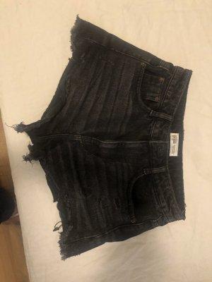 Zara Trafaluc Shorts black