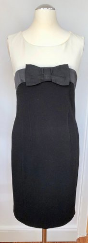 sexy geschnittenes Audrey Hepburn Kleid mit süssem Schleifendetail