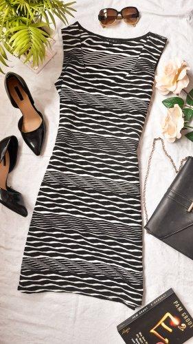 Sexy Kleid eng und körpernah mit aufregendem Muster schwarz weiß