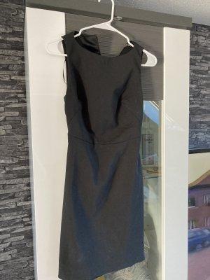 Sexy Kleid mit Rückenausschnitt