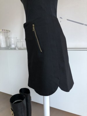 Sexy Rock in schwarz von Zara mit Golddetails, Gr. L