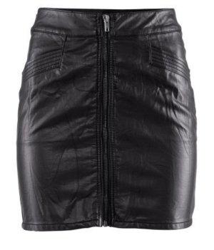 Sexy schwarzer Leder-Imitat Minirock von H&M mit Reißverschluss NEU