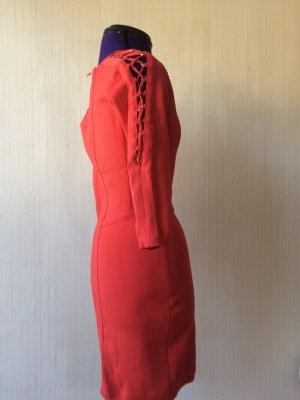 Sexy Sommerkleid mit Cutouts für gebräunte Sommerhaut