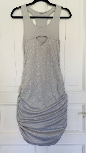 Vestido cut out gris claro-color plata
