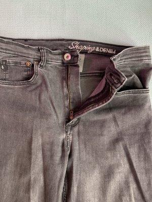 Shaping Denim Jeans