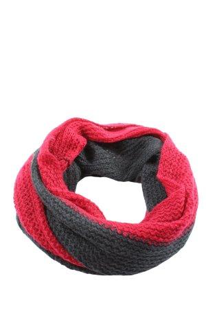 She Caperuza negro-rojo punto trenzado look casual