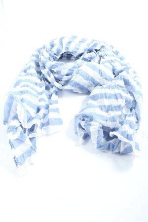 She Chal veraniego azul-blanco estampado a rayas look casual