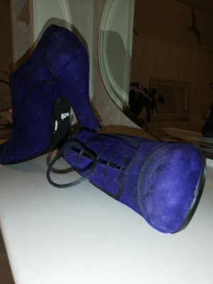 she wore blue Velvet / sehr interessanter Schuh / Stil der 40iger