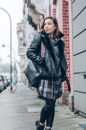 Zara Chaqueta de motociclista negro-color plata Imitación de cuero