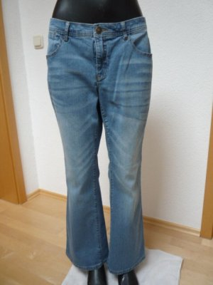 Sheego Damen Bootcut Jeans MAILA Gr. 22, Used-Effekte , neuwertig