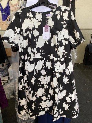 Sheego Kleid mit formendem Innenkleid zum Herausknöpfen Gr. 52 Schwarz weiß