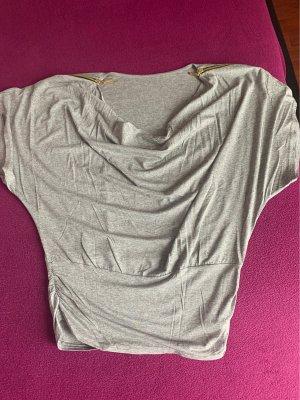 Camisa con cuello caído color plata