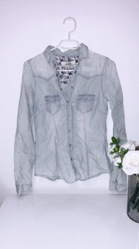 Shirt hemd bluse oberteil top jeans jacke jäckchen hellblau blau vintage