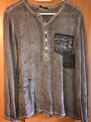 Shirt im italienischen Stil.