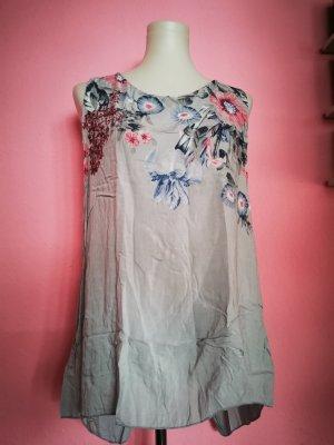 Shirt in grau mit Blumen (K3)