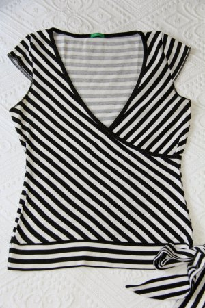Shirt in Wickeloptik - schwarz/weiß
