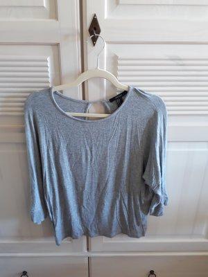 Shirt mit 3/4 Ärmel und Cut Out am Rücken