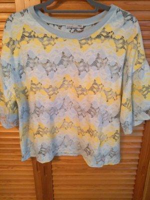 Shirt mit Muster und Lochstickerei