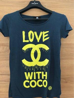 Shirt von der Marke Fame Couture