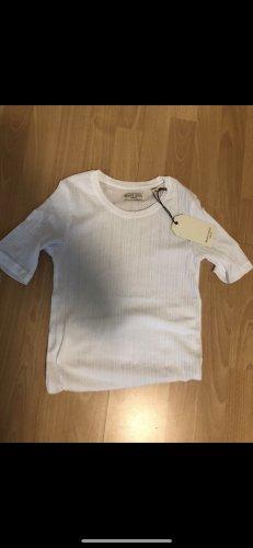 Shirt  weiß mit Etikett