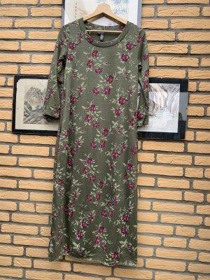 BODY FLIRT T-shirt jurk olijfgroen