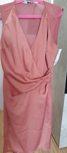 Shönes Kleid  neu S