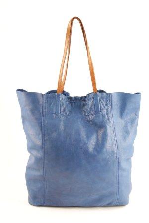 Shopper blue-light brown casual look