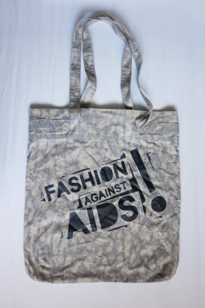"Shopper ""Fashion against Aids"""