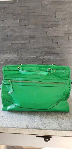 Shopper in Grün von Oasis