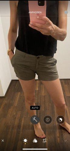 Maison Scotch Shorts green grey
